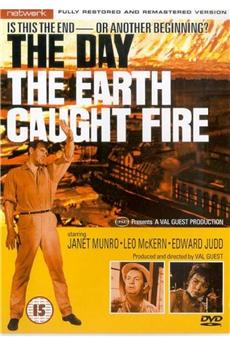 The Day the Earth Caught Fire (1961) download